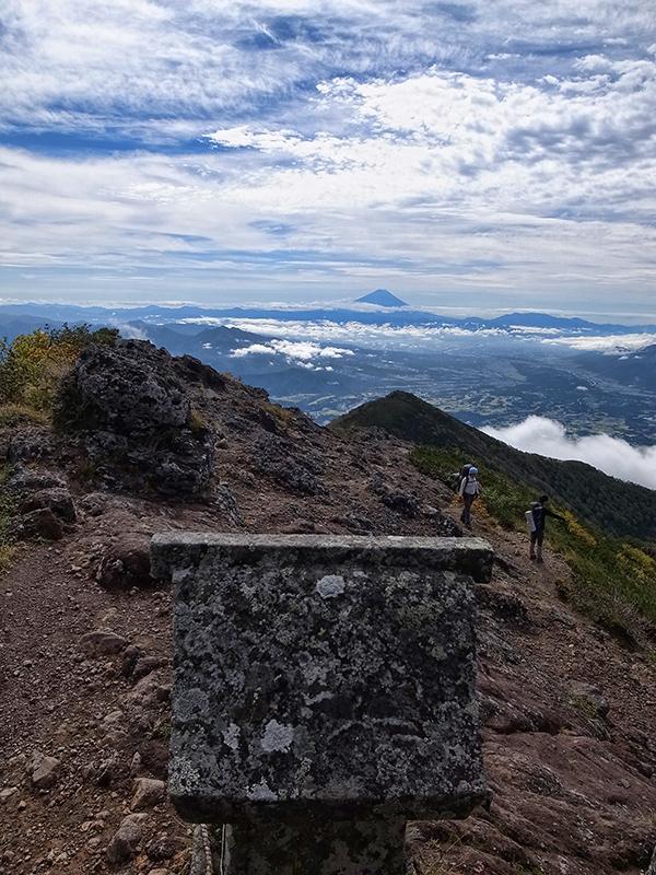 磐長姫が見つめる富士山